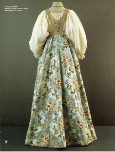 41e3dc1983b3 Vestido Medieval, Russian Fashion, Bridal Lehenga, Historical Costume,  Historical Clothing, Folk