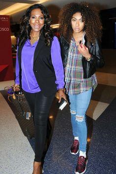 Sheryl Lee Ralph Sheryl Lee Ralph and her daughter Ivy-victoria maurice arrive at LAX Airport. Welcome back, Soror. Black Girls Rock, Black Love, Beautiful Black Women, Beautiful People, Beautiful Family, Black Celebrities, Celebs, Celebrity Kids, Celebrity Photos