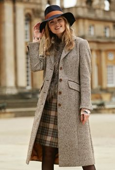 25 Stylish Outfits that Explain Why Tweed Is Always In Mode Outfits, Stylish Outfits, Fall Outfits, Teen Fashion, Winter Fashion, Fashion Outfits, Womens Fashion, Fashion Hacks, Fashion Brands