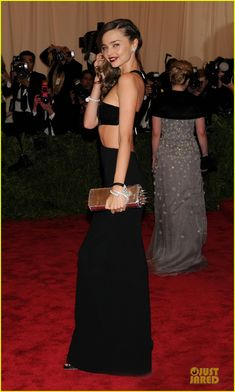 Miranda Kerr is a gorgeous black beauty at the 2013 Met Gala held at the Metropolitan Museum of Art on Monday (May 6) in New York City.