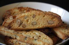 Olasz mandulás keksz, avagy a Cantuccini - Konyhasziget Biscotti, Pancakes, Paleo, Cookies, Breakfast, Desserts, Food, Crack Crackers, Morning Coffee