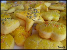 Halwat Tabaa'.... Un retour dans mon enfance... j'avais envie de ces biscuits que nous faisait maman... et je les ai réalisé avec mes enfants ... Les halwat tabaa' ces biscuits au bon gout de vanille , moelleux , fondant , un biscuit si simple qui nous...
