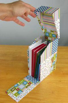 Kay's Keepsakes: Picnic Box - by Kay Williamson Cardboard Crafts, Paper Crafts, Carton Diy, Picnic Box, Paper Toy, Creative Box, Diy Box, Book Making, Bookbinding