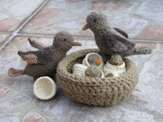Crochet sparrows and their house by Lalinda