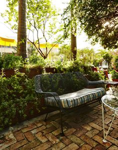 Freehand Miami patio >>by MySoBe.com, the site of South Beach Miami.