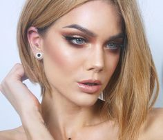 Dagens make-up Archives - Page 206 of 512 - Linda Hallberg Beauty Makeup, Eye Makeup, Hair Makeup, Hair Beauty, Makeup Brushes, Makeup By Mario Palette, Online Makeup Stores, Look At My, Magical Makeup