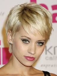 Risultati immagini per tagli capelli corti femminile raffinato