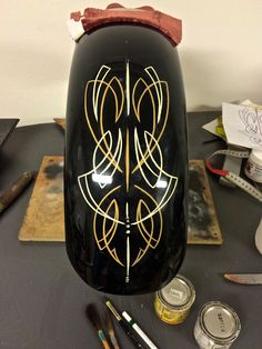 Pinstriping gold leaf gilding rust Harley Davidson chopper bobber custom paint kustom 1-shot one shot enamel