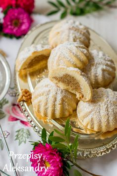 Recipes Alexandra: MA'AMOUL cookies with walnuts Walnut Cookies, Buttery Cookies, Butter Cookies Recipe, Tea Cookies, Delicious Deserts, Jewish Recipes, Sweets Cake, Homemade Cakes, No Bake Desserts