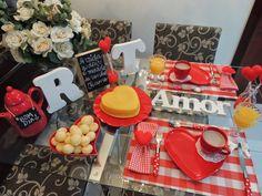Nosso dia dos namorados começou com um café da manhã cheio de carinho e amor! Meu marido merece todo amor e toda dedicação desse mundo!!!  ...