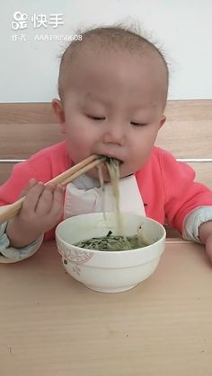 Discover thousands of images about Chopsticks Baby - Funny Babies, Funny Kids, Cute Babies, Baby Kids, Baby Baby, Cute Gif, Funny Cute, Hilarious, Funny Animals