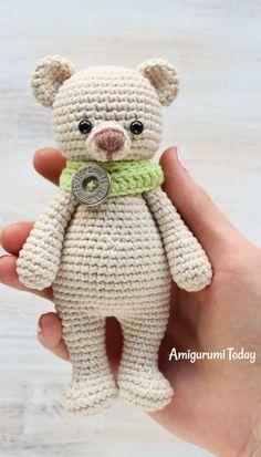 Cuddle Me Bear amigurumi crochet pattern