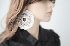 Big geometric earings...: reminds me of a spirograph!