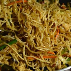 Try This Ultimate Chinese Chow Mein Chicken Chow Mein Noodles Recipe, Chow Mein Sauce Recipe, Chow Mein Noodle Recipe, Easy Chow Mein Recipe, Crispy Chow Mein Noodles, Veggie Fries, Veggie Stir Fry, Easy Chicken Recipes, Asian Recipes