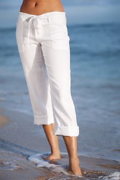 Island Importer - Linen Boardwalk Pants - Go casually chic in these breezy Linen Boardwalk Pants with removable linen belt that ties at waist. Front and back patch pockets. Button fly and closure. Beach Outfits Women Vacation, Summer Outfits, Linen Pants Women, Pants For Women, Outfit Strand, Casual Outfits, Cute Outfits, Simple Shirts, Pants Outfit