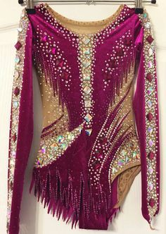 Gymnastics Suits, Gymnastics Costumes, Girls Dance Costumes, Dance Outfits, Girls Leotards, Rhythmic Gymnastics Leotards, Green Leotard, Salsa Dress, Figure Skating Dresses