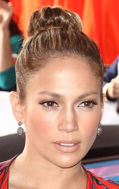 J-Lo glow and bun - my inspiration for tonight's Dining Out. :)