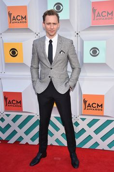 Tom Hiddleston in Burberry - 51st Academy of Country Music Awards - April 3, 2016
