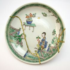 ANTIQUE 18thC CHINESE KANGXI FAMILLE VERTE PORCELAIN PLATE, KINTSUGI GOLD REPAIR