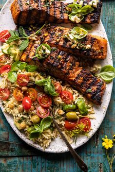 Summer lemon orzo salad with Greek salmon #healthymeals #easydinner #easyrecipes