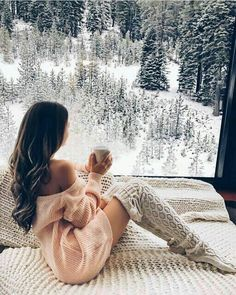 Cozy Knitted Over Knee Socks - Soso - Winter Fashion Hygge, Gq, Esquire, Lake Tahoe Resorts, Southern Curls And Pearls, Shooting Photo, Photo Instagram, Disney Instagram, Winter Instagram