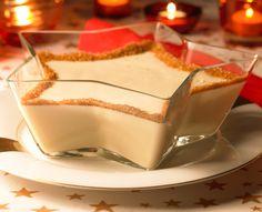 Ein cremiges Dessert mit Kaffee für das Weihnachtsessen