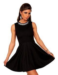 404cfc28a222 levné malé černé dámské šaty v kamenných i internetových obchodech.  Prohlédněte si aktuální kolekce Jaro