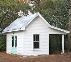 Backyard shed that could be a cute coop. - Home Theater Backyard Storage Sheds, Storage Shed Plans, Backyard Sheds, Outdoor Sheds, Garden Sheds, Storage Ideas, Home Theater, Pool Shed, Shed With Porch