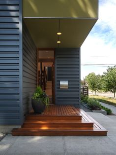 Home Decor Modern Entry. 玄関のインテリアコーディネイト実例 もっと見る