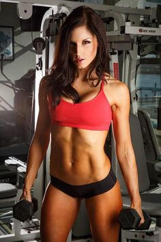 Find out Caitlyn's top 3 moves: http://nutritionbeast.com/2015/08/magnum-athlete-caitlyn-bellamy-bikini-pro-fitness-model/