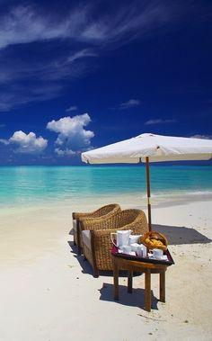 Breakfast on the beach for two!  ASPEN CREEK TRAVEL - karen@aspencreektravel.com
