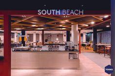 HEKKER Interieurbouw - NH Leeuwenhorst - TOOKO – Inspiratie voor een exclusieve werkomgeving South Beach, Conference Room, Table, Furniture, Home Decor, Lush, Decoration Home, Room Decor, Tables