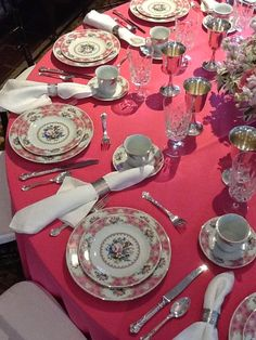 "And welcome to the world of ""P"" is for PINK. I thought you might enjoy seeing these pretty pink tablescapes as much as I d. Elegant Table Settings, Beautiful Table Settings, Romantic Table, Table Manners, Centerpieces, Table Decorations, Elegant Dining, China Patterns, Fine Dining"