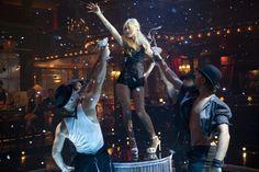 burlesque movie kristen bell | Christina Aguilera and Kristen Bell - more Burlesque promo pics1 ...