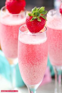 Great bridal shower idea // Strawberry Cream Mimosas - Bubbly sparkling champagne with refreshing raspberry and strawberry frozen cream sweetened with Sweet'N Low make this the ultimate brunch beverage. Sweet\'N Low #donthesitaste #sponsored