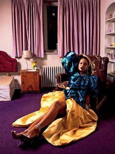 Rihanna covers the Fall/Winter issue of Garage Magazine , styled by Carlos Nazario for images by Deana Lawson . Rihanna Fenty, Rihanna Song, Vintage Skirt, Vintage Tops, Deana Lawson, Gucci Top, Valentino Sandals, Rihanna Style, Satin