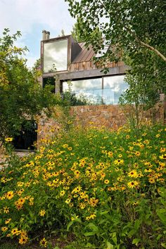 Trying to blend in with the beautiful landscape, this stunning Aspen, Colorado house was built with old recycled barn wood, locally sourced quarried stone cladding and enormous picture windows by Chad Opeenheim of Opeenheim Contemporary Architecture, Architecture Design, Colorado Homes, Aspen Colorado, Stone Cladding, Architecture Magazines, Brick And Mortar, Modern Rustic, Beautiful Landscapes