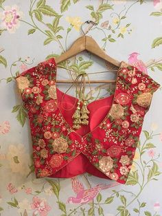 Swati Manish - Blouse PatternsYou can find Blouse patterns and more on our website. Best Blouse Designs, Silk Saree Blouse Designs, Bridal Blouse Designs, Blouse Neck Designs, Blouse Designs Embroidery, Pattern Blouses For Sarees, Indian Blouse Designs, Saree Blouse Patterns, Lehenga Designs