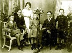 German immigrants - might my German ancestors looked something like this? I don't know.