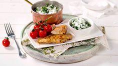 Kyllingfilet med kremet grønnkål - Oppskrift fra TINE Kjøkken Camembert Cheese, Tin, Tacos, Dairy, Meat, Chicken, Ethnic Recipes, Food, Pewter