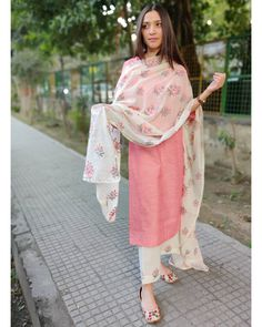 Shop online Peach and White Cotton Suit Set with Embroidered Dupatta - Set of Three Peach cotton kurta paired with white cotton pants. The pants and dupatta are adorned with embroidered detailing. Casual Indian Fashion, Fashion In, Indian Fashion Dresses, Dress Indian Style, Indian Outfits, Indian Wear, Indian Dresses For Women, Indian Clothes, Simple Kurta Designs