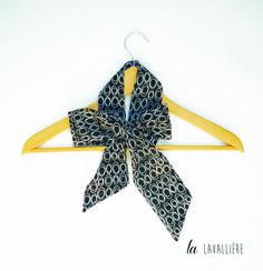 60a886fb7f1 lavallière foulard noir ronds blancs pour femme   Echarpe