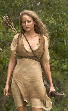 "Leelee Sobieski,-""Em Nome do Rei"" Warrior Girl, Warrior Princess, Elfen Fantasy, Leelee Sobieski, Archery Girl, Fantasy Costumes, Cosplay, Hercules, Female Characters"