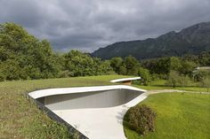The peculiar topography of the site, its orientation and mountain views of Cuera are the starting points in the design of an artist´s residence/studio + coun...