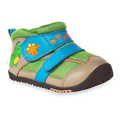 These adorable MomoBaby Dinosaur leather sneakers protect your child's feet, and feature a flexible rubber sole, high-quality leather for durability, and breathable mesh on top. Friendly dinos make tracks across the strap and sides.