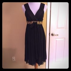 Banana Republic dress Black and gold dress from Banana Republic. Excellent condition! Banana Republic Dresses