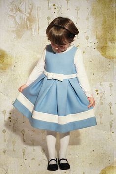 DIY Halloween kids costumes alice and white rabbit in a special wonderland, for our series dedicated to Halloween costumes. Kids Fashion Blog, Kids Winter Fashion, Diy Halloween Costumes For Kids, Hallows Eve, Kids Wear, Boys, Girls, Toddler Girl, Wonderland