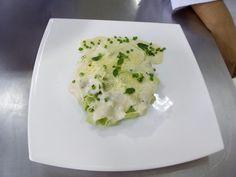Talharim de espinafre com molho bechamel aos quatro queijos