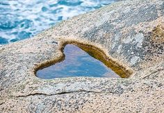 Heart In Nature, Heart Art, Love Heart, Nature Images, Nature Pictures, Face Shapes, Heart Shapes, Blue Emoji, Stone Crafts