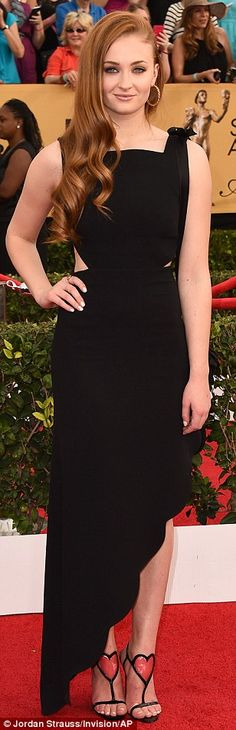 Hands on hips time! Parks And Recreation's Amy Poehler, Games Of Thrones star Sophie Turne...